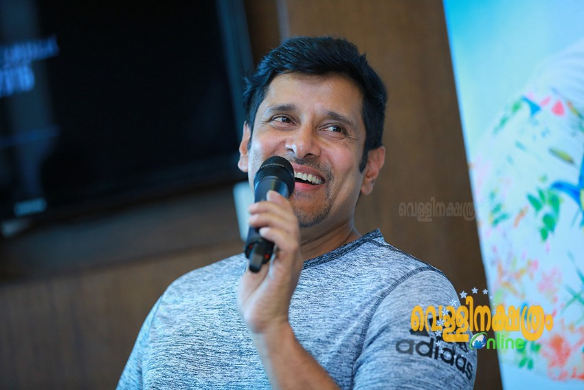 Vikram at Kochi for Irumugan Promotions